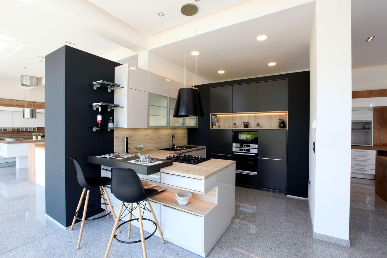 dan k che modern k che pastell hochglanz weiss gebraucht grohe mischbatterie kleine u mit theke. Black Bedroom Furniture Sets. Home Design Ideas